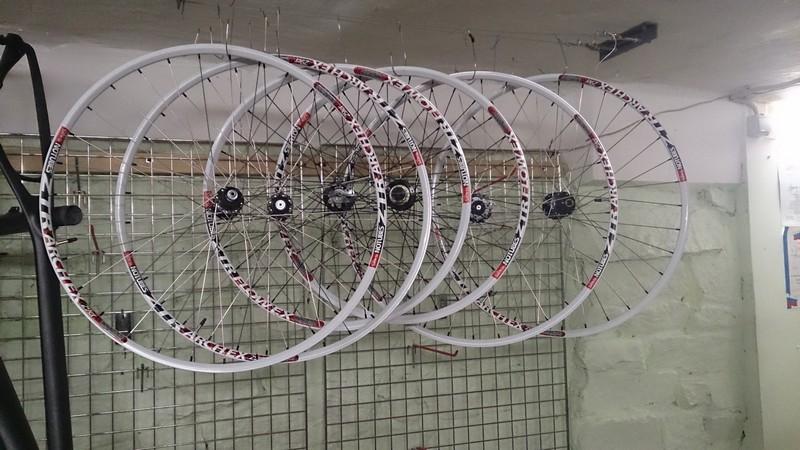 Сборка бескамерных колес на ободах ZTR с бесплатным герметиком Tyre-Doctor