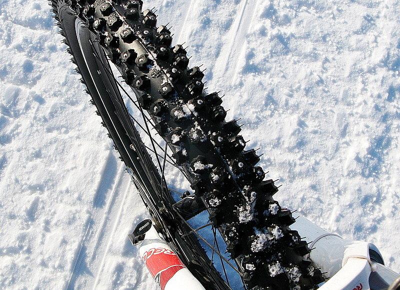 Шипованные покрышки для велосипеда Schwalbe